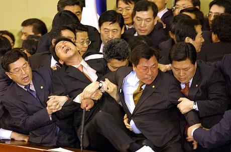 pelea politicos koreanos parlamento